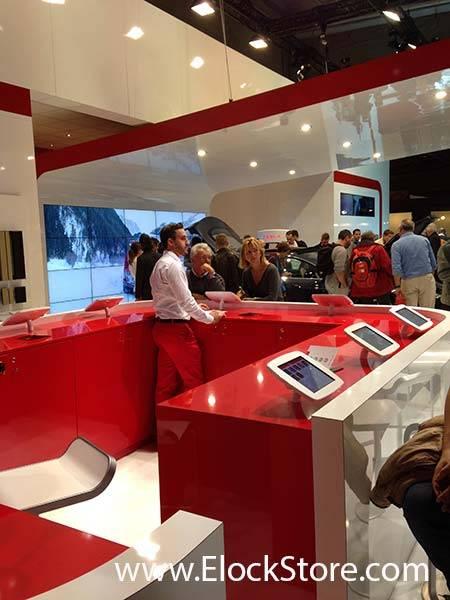 Tesla - Pied Pole et kiosque space iPad Maclocks ElockStore