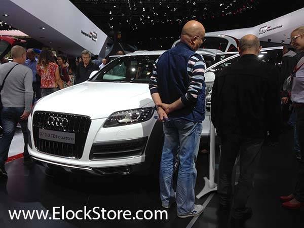 Audi - Pied Ajustable et coque alu Executive pour iPad Maclocks ElockStore